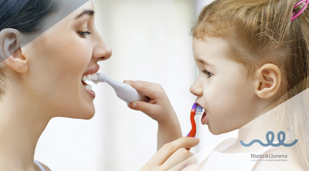 ¿Conoces las diferencias entre el cepillo manual y el eléctrico?
