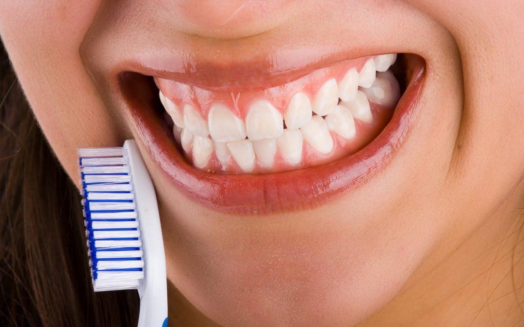 La enfermedad de las encías y la salud holística