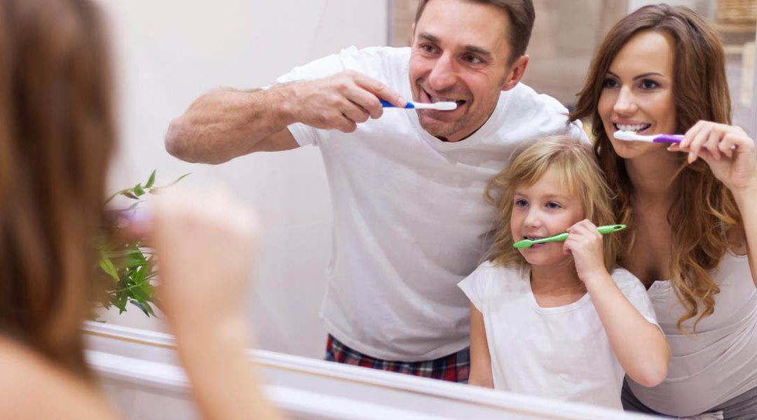 Cómo cepillarnos los dientes